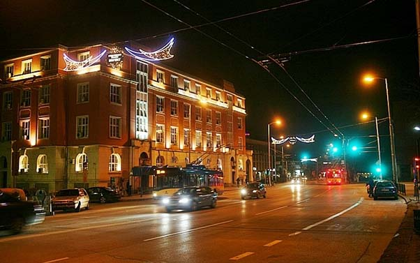 Община Плевен избира фирма за поддръжка и ремонт на улично осветление