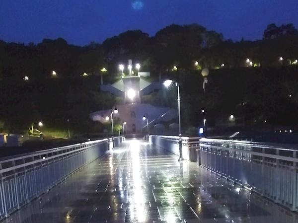 Бургаският мост с ново осветление