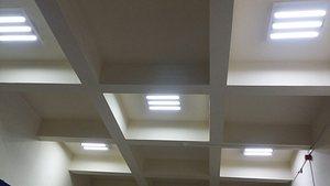 Стенс инсталира LED <strong>осветление</strong> в столично училище