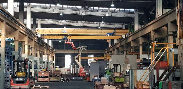 Интер Пауър инсталира индустриално осветление в Подемкран