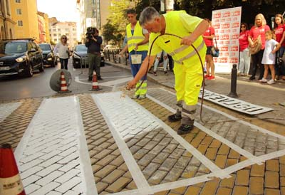 Осветление на нови 100 пешеходни пътеки в София