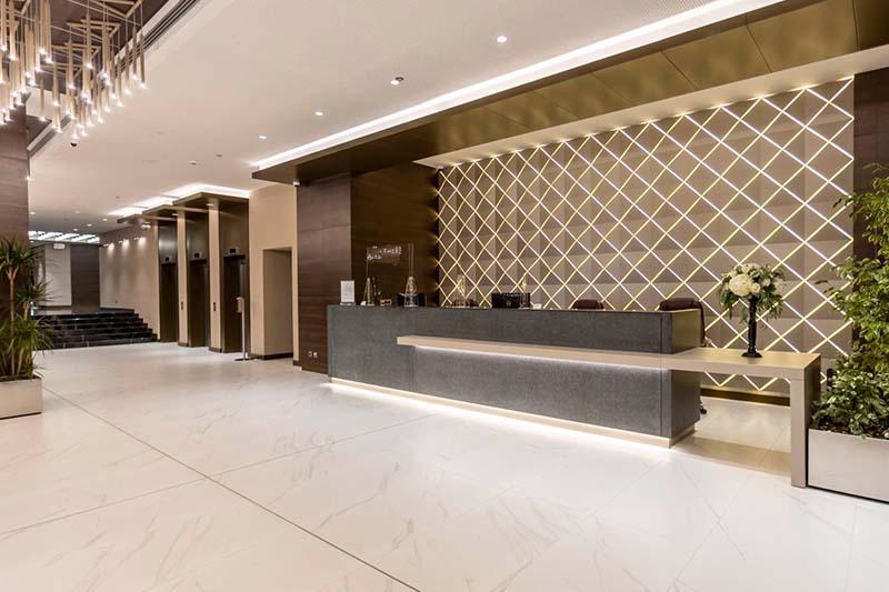 Емблематичният за Бургас хотел България e с ново интериорно осветление от <strong>Поларис</strong> <strong>Лайтинг</strong>