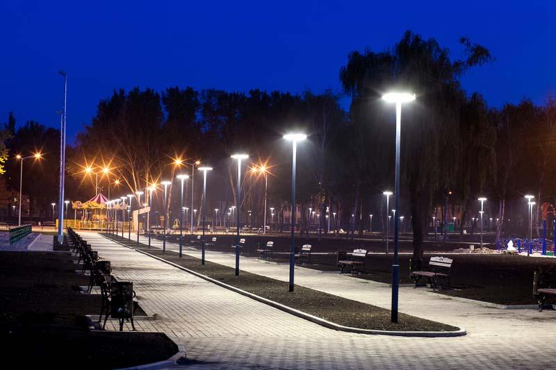 Община Велико Търново търси доставчик на улични и паркови осветители