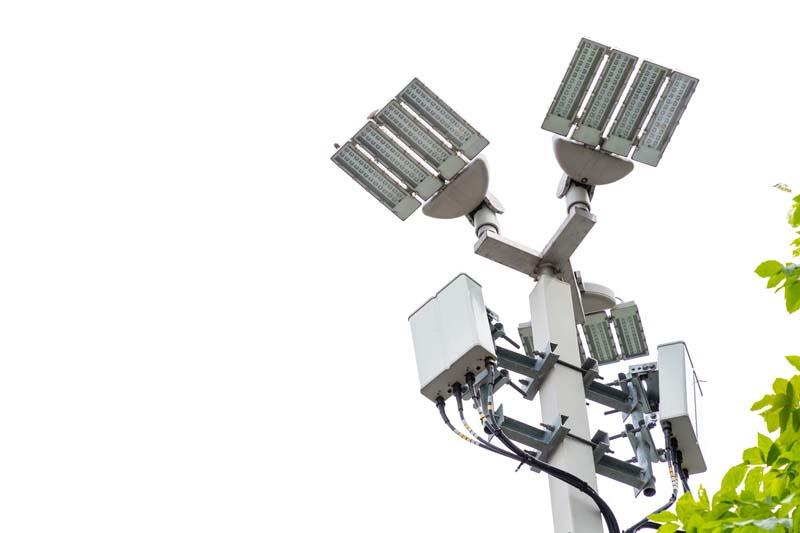 Община Момчилград търси доставчик на улично и парково осветление