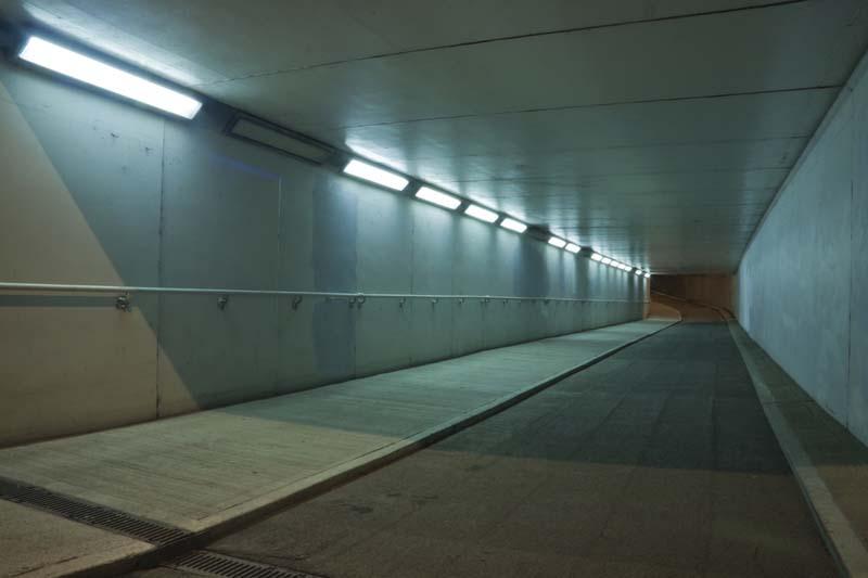 """Подмениха осветлението на два подлеза в столичния район """"Триадица"""""""