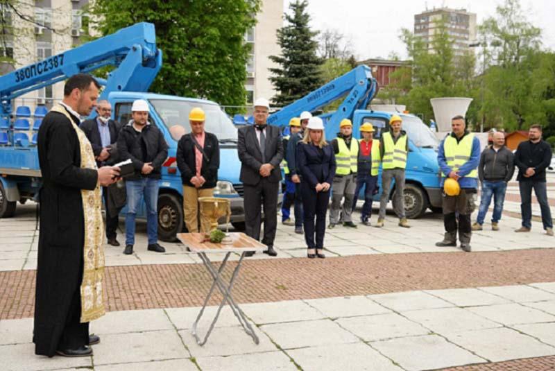 Модернизират уличното осветление в Габрово