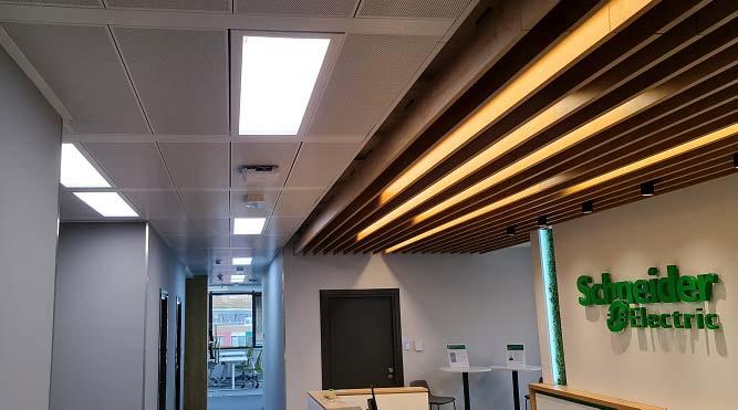 STENS разработи <strong>осветителни</strong> системи за новия офис на Schneider Electric България