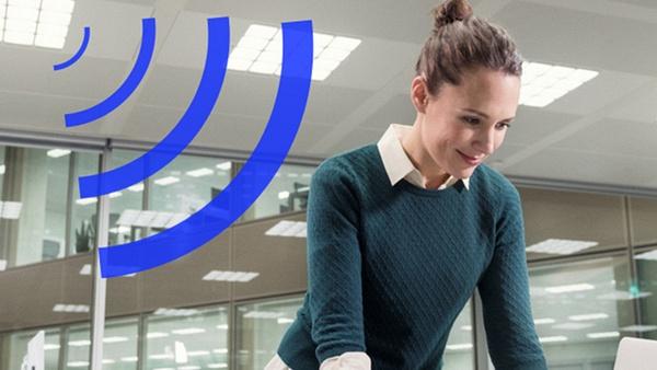 Signify тества търговски приложения на LiFi
