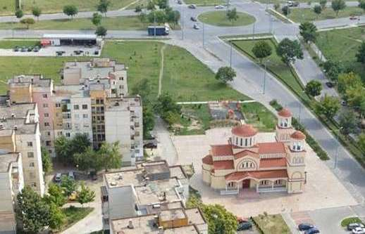 Започна поставянето на ново улично осветление около ДКЦ - 5 в Пловдив